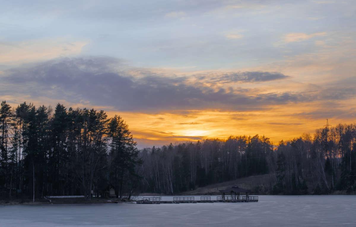 Закат на реке Истра