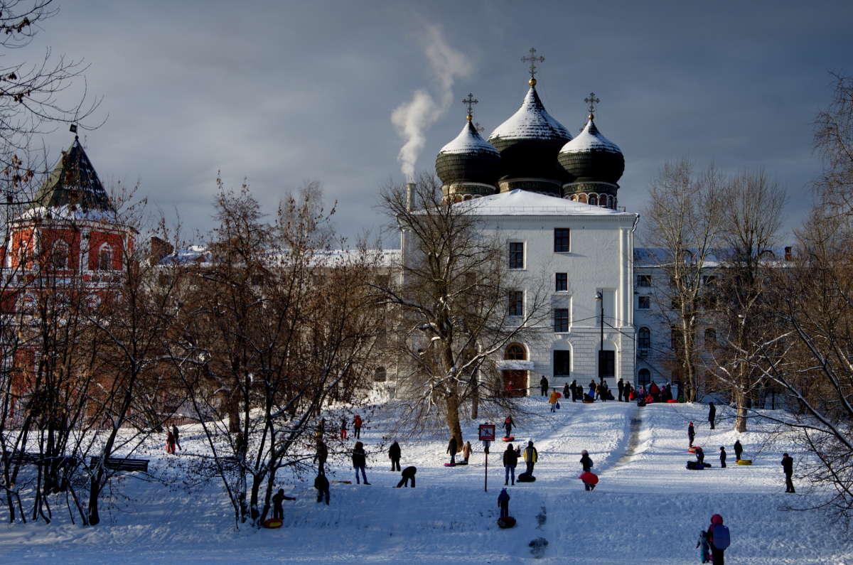 Зимний день в городке...