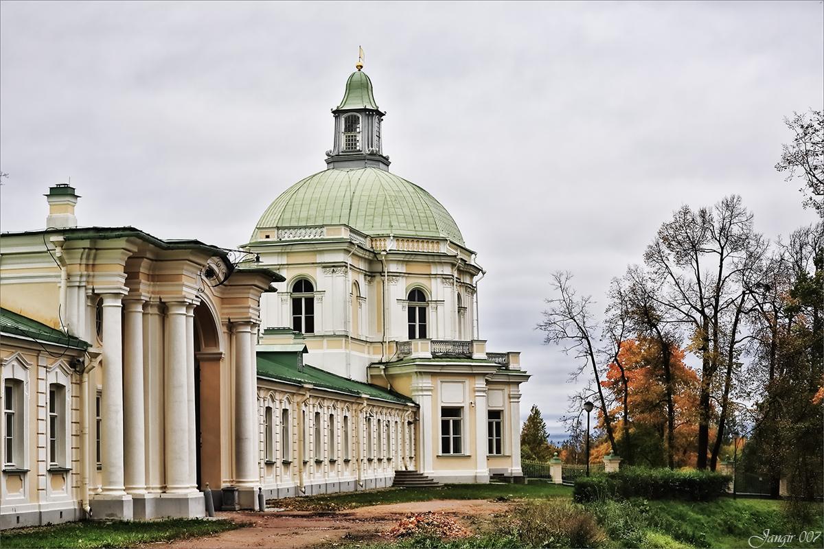 Церковное крыло Большого Меньшиковского дворца