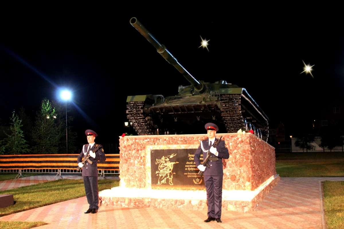 Самарская область Краснорскии Раион в Красном Яру открыт памятник защитникам Отечества