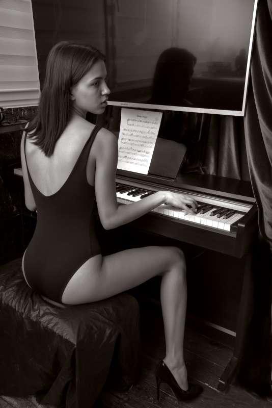 Игра на фортепьяно..