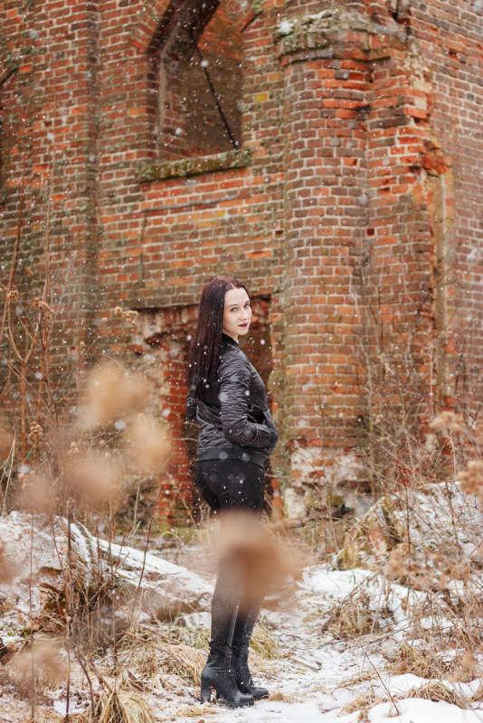 На руинах
