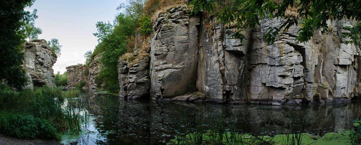 Таинственные скалы