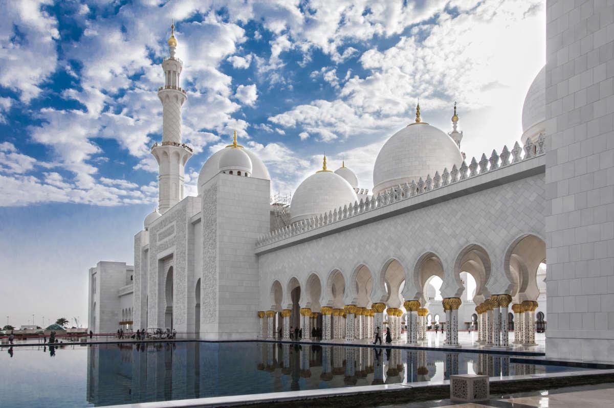 Абу Даби. Белая мечеть.