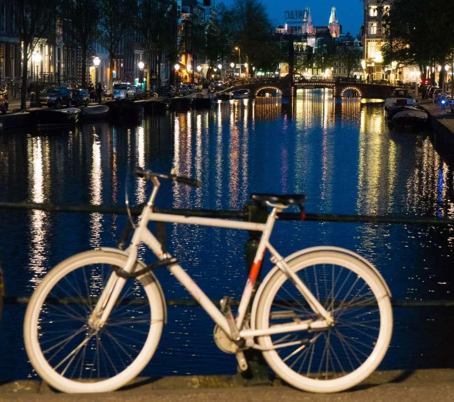 Велик - Вечерний Амстердам