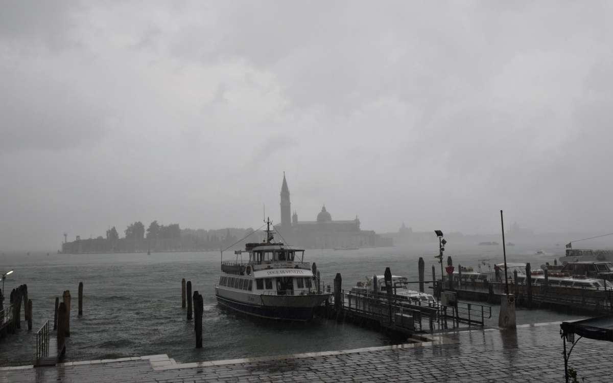 Венеция - дождь