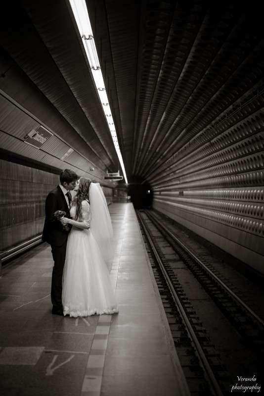 B/w wedding