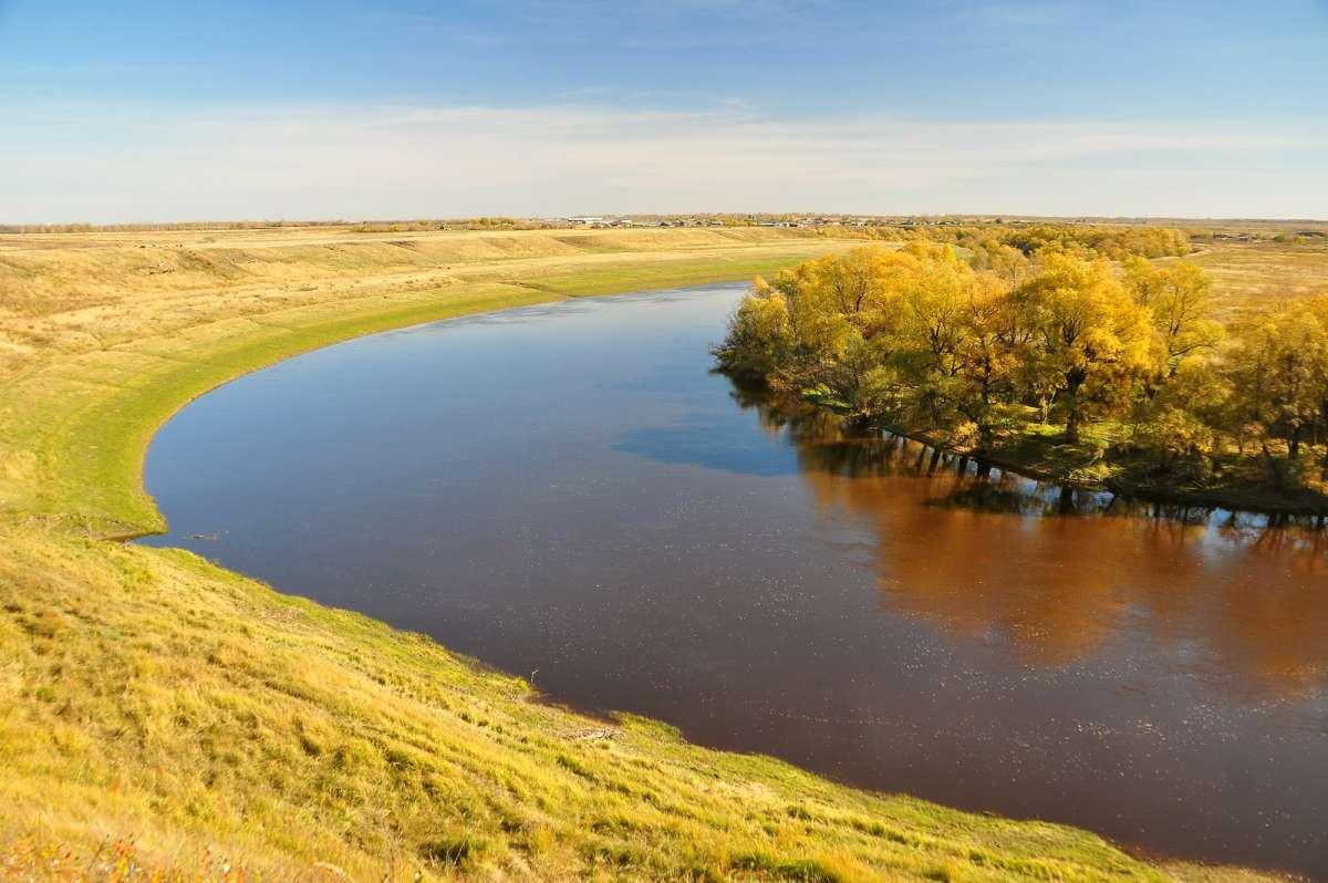 Осень на берегу реки