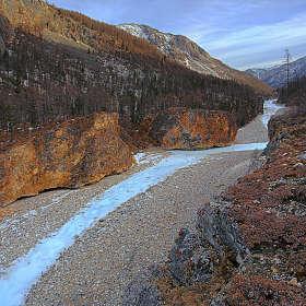 Ущелье реки Чёрный Иркут
