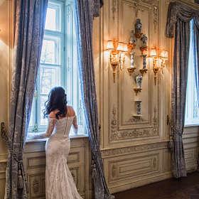 Свадебная фотосессия в зале ресторана Турандот от Анастасии Морозовой