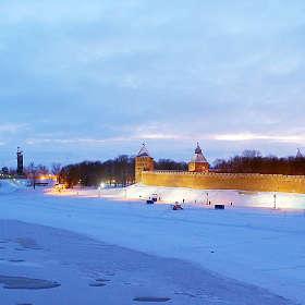 Великий Новгород. Вид на Кремль с пешеходного моста