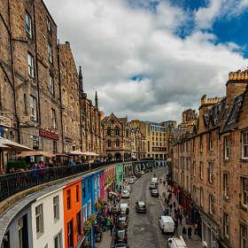 На улицах Эдинбурга.