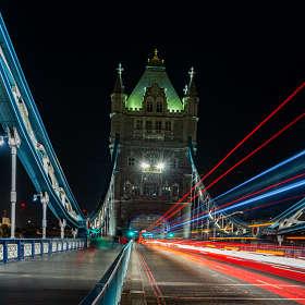 Где-то в Лондоне.. Тауэрский мост.