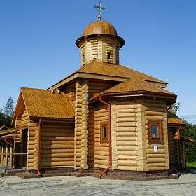 Деревенский православный храм.
