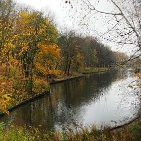 Осенний городской парк.