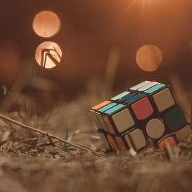 Кубик на улице