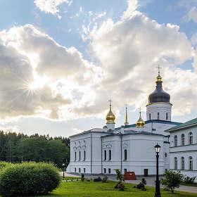Псковская обл. с. Елизарово. Спасо-Елизаровский женский монастырь.